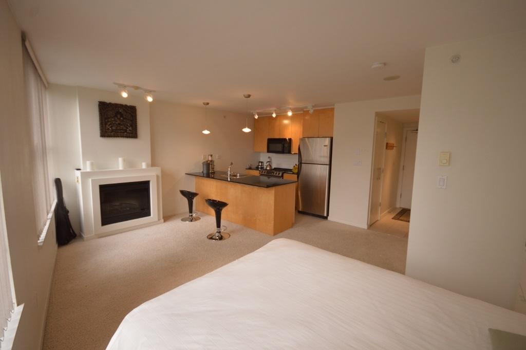 Condo Apartment at 808 989 BEATTY STREET, Unit 808, Vancouver West, British Columbia. Image 10