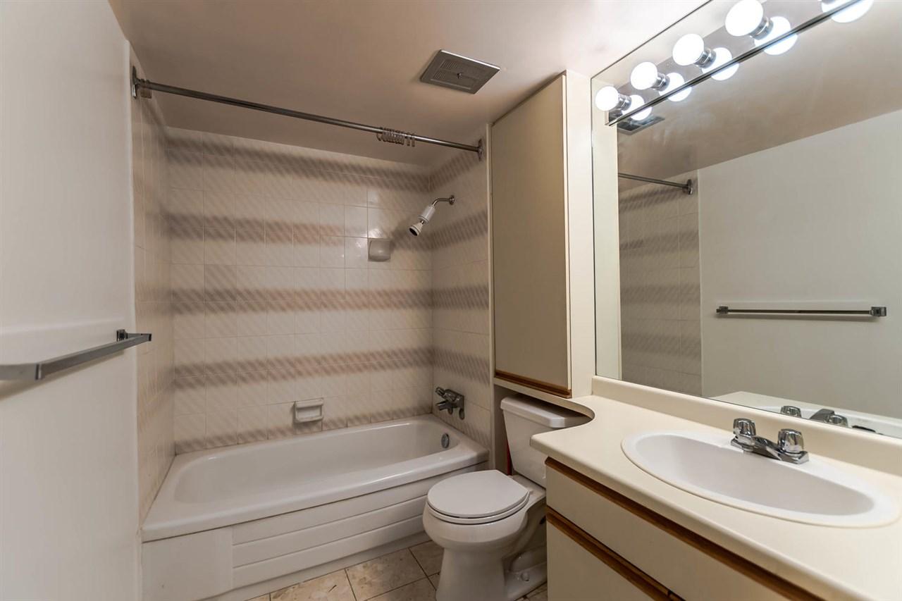 Condo Apartment at 904 1816 HARO STREET, Unit 904, Vancouver West, British Columbia. Image 18