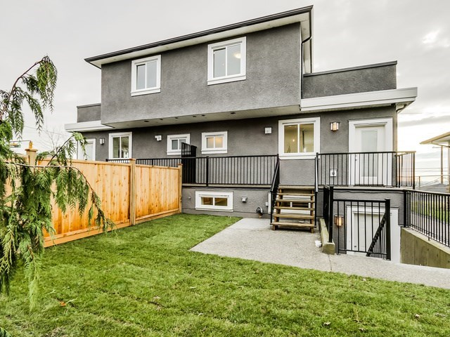 Half-duplex at 677 E 59TH AVENUE, Vancouver East, British Columbia. Image 14
