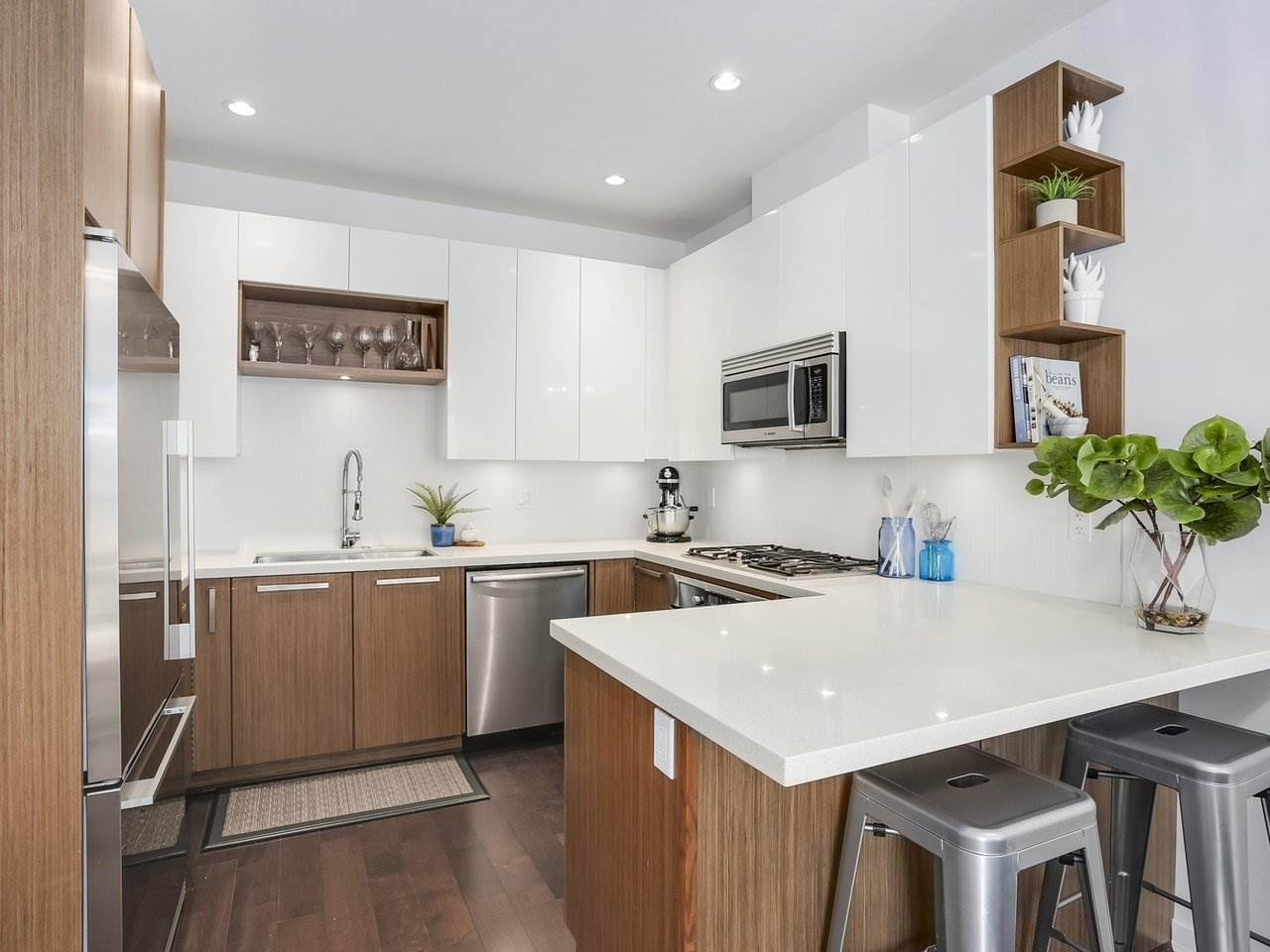 Townhouse at 8428 GLADSTONE STREET, Vancouver East, British Columbia. Image 6