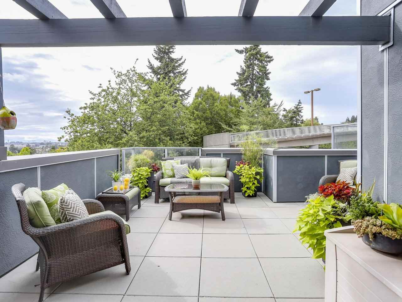 Townhouse at 8428 GLADSTONE STREET, Vancouver East, British Columbia. Image 16