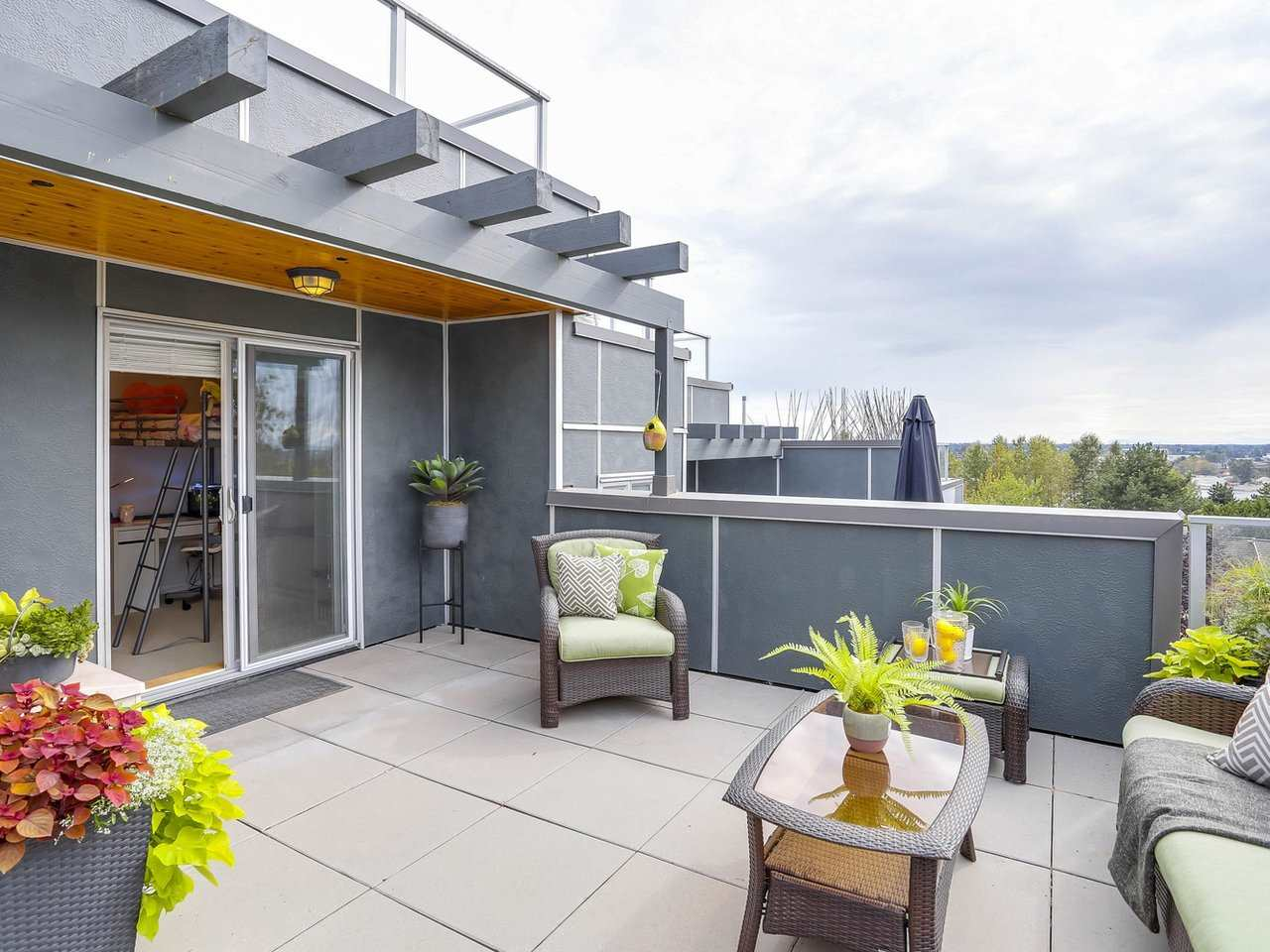 Townhouse at 8428 GLADSTONE STREET, Vancouver East, British Columbia. Image 17