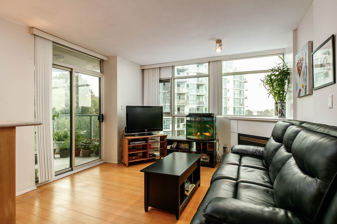 Condo Apartment at 701 2733 CHANDLERY PLACE, Unit 701, Vancouver East, British Columbia. Image 5