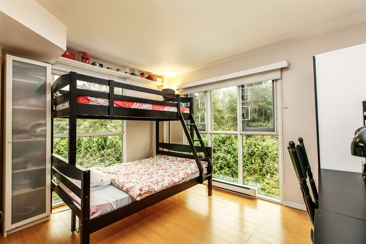 Condo Apartment at 701 2733 CHANDLERY PLACE, Unit 701, Vancouver East, British Columbia. Image 8