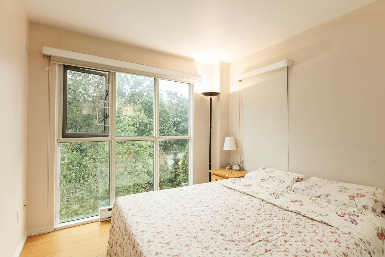 Condo Apartment at 701 2733 CHANDLERY PLACE, Unit 701, Vancouver East, British Columbia. Image 10