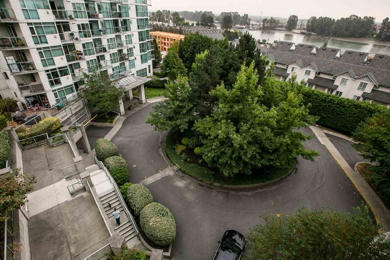 Condo Apartment at 701 2733 CHANDLERY PLACE, Unit 701, Vancouver East, British Columbia. Image 13