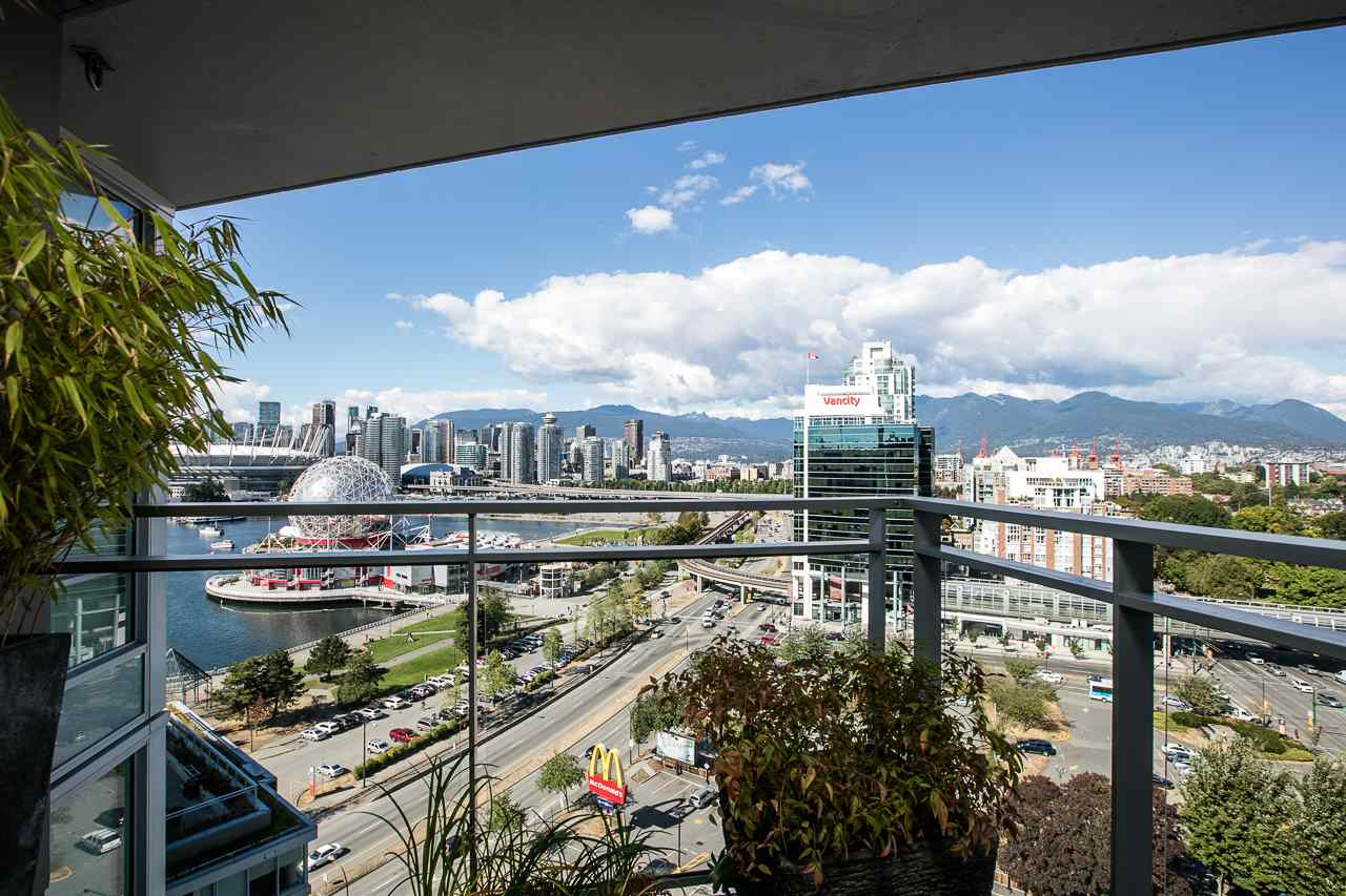 Condo Apartment at 2011 1618 QUEBEC STREET, Unit 2011, Vancouver East, British Columbia. Image 14