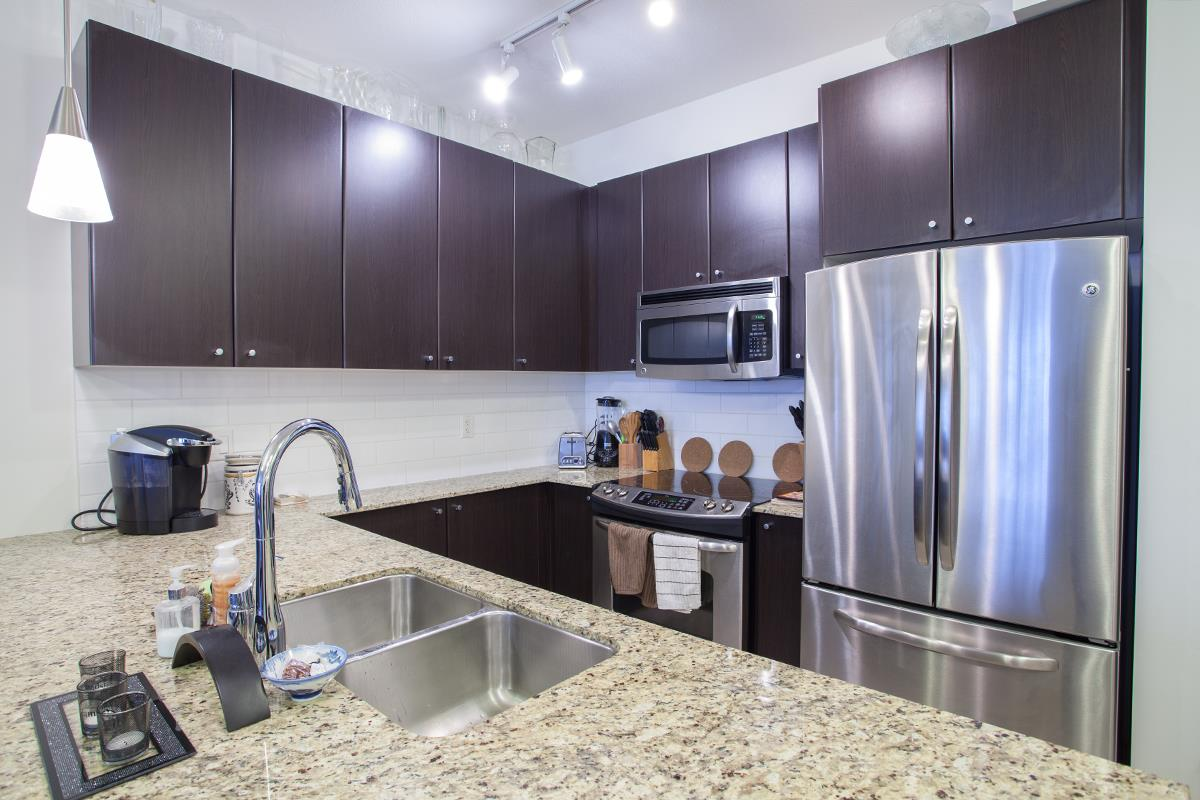 Condo Apartment at 408 240 FRANCIS WAY, Unit 408, New Westminster, British Columbia. Image 2