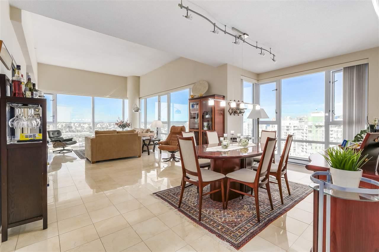 Condo Apartment at 3905 1033 MARINASIDE CRESCENT, Unit 3905, Vancouver West, British Columbia. Image 4