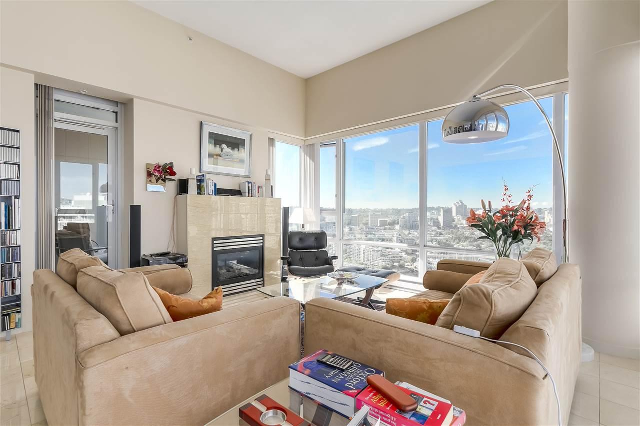 Condo Apartment at 3905 1033 MARINASIDE CRESCENT, Unit 3905, Vancouver West, British Columbia. Image 6