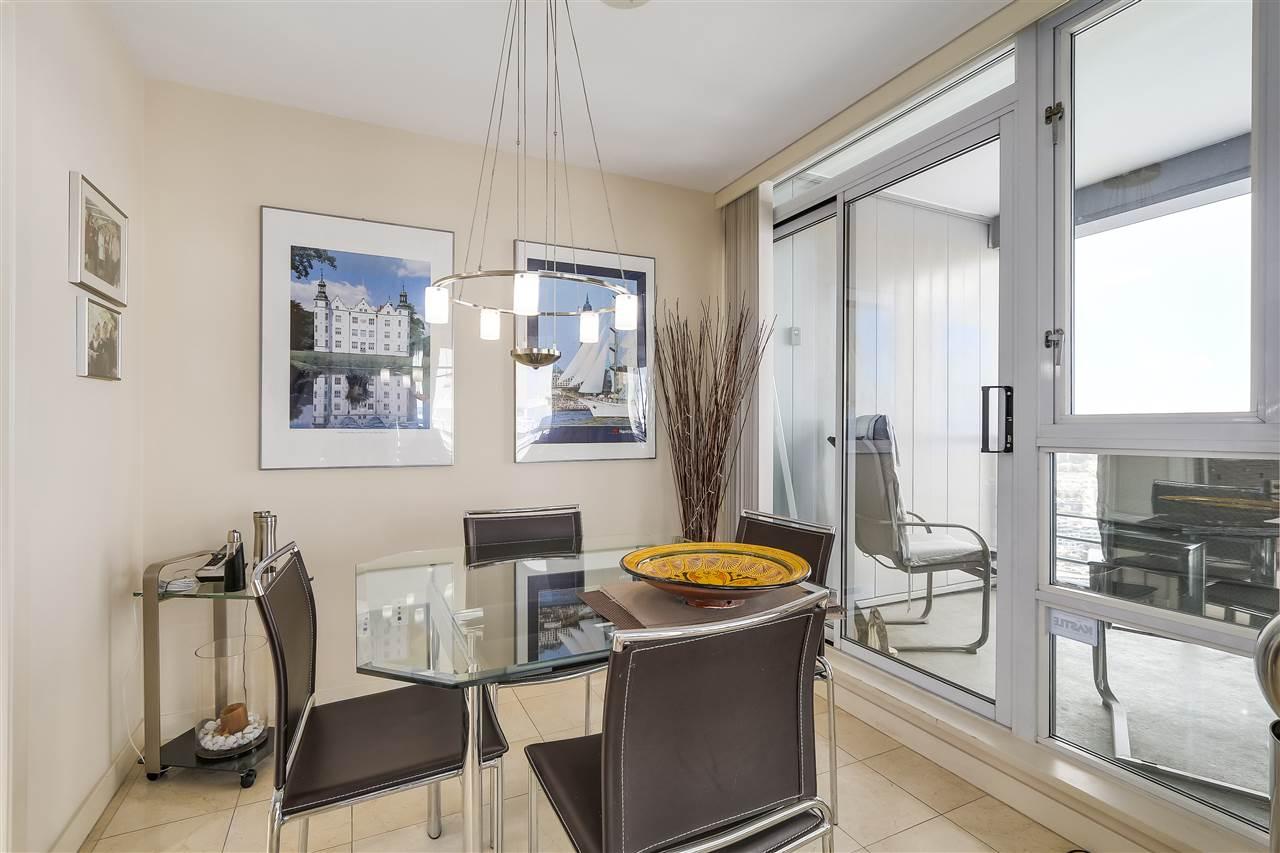 Condo Apartment at 3905 1033 MARINASIDE CRESCENT, Unit 3905, Vancouver West, British Columbia. Image 9