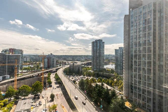 Condo Apartment at 1804 989 BEATTY STREET, Unit 1804, Vancouver West, British Columbia. Image 2