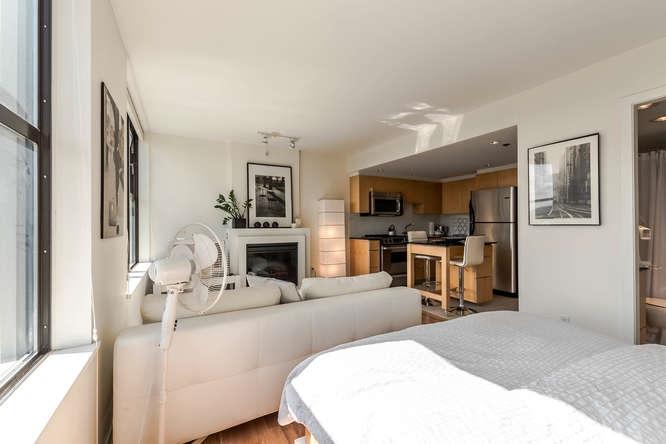Condo Apartment at 1804 989 BEATTY STREET, Unit 1804, Vancouver West, British Columbia. Image 9