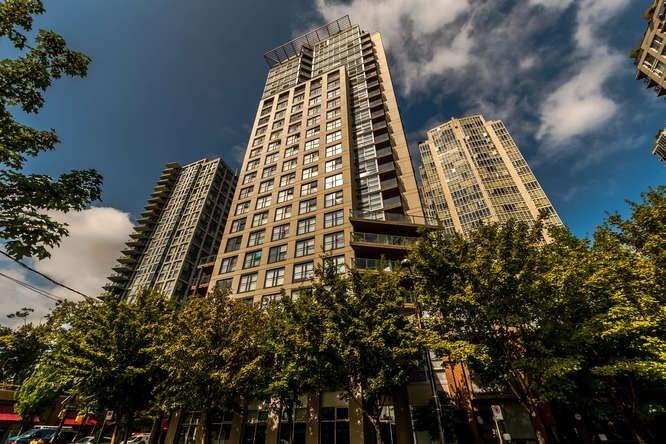 Condo Apartment at 1804 989 BEATTY STREET, Unit 1804, Vancouver West, British Columbia. Image 17