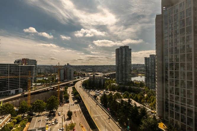 Condo Apartment at 1804 989 BEATTY STREET, Unit 1804, Vancouver West, British Columbia. Image 18