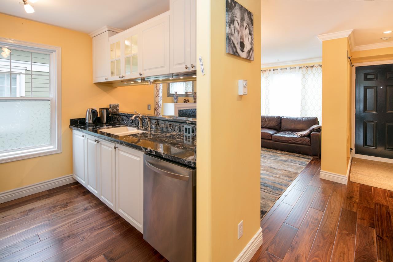 Condo Apartment at 315 962 W 16TH AVENUE, Unit 315, Vancouver West, British Columbia. Image 8