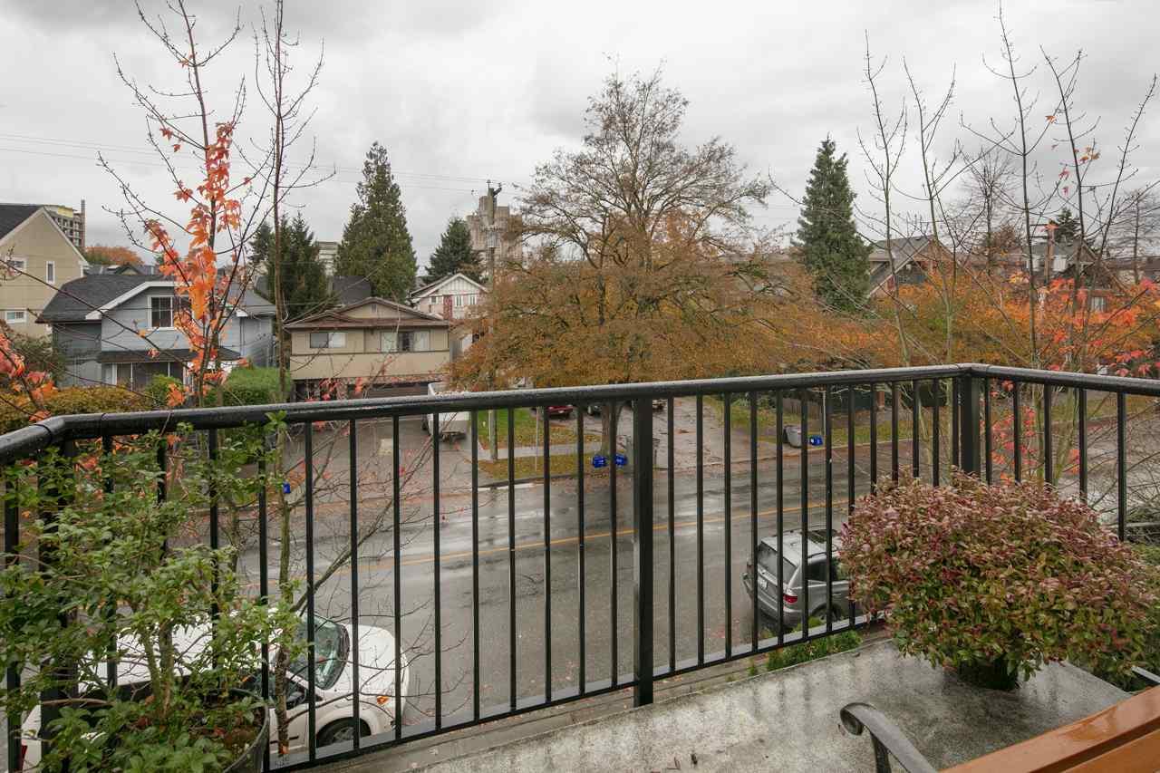 Condo Apartment at 315 962 W 16TH AVENUE, Unit 315, Vancouver West, British Columbia. Image 12