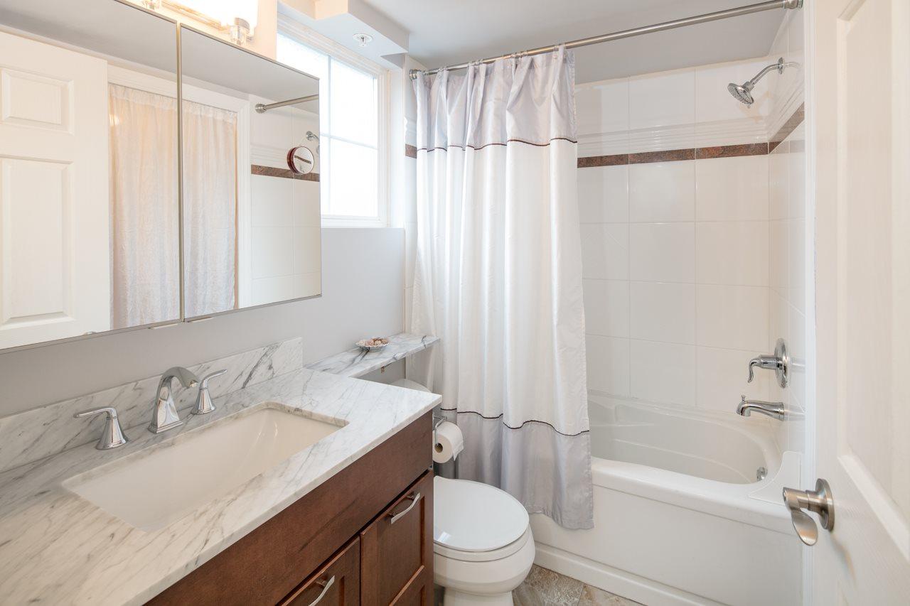 Condo Apartment at 315 962 W 16TH AVENUE, Unit 315, Vancouver West, British Columbia. Image 17