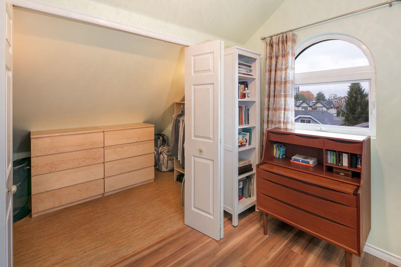 Condo Apartment at 315 962 W 16TH AVENUE, Unit 315, Vancouver West, British Columbia. Image 18