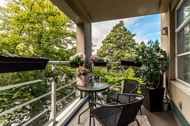 Condo Apartment at 307 2575 W 4TH AVENUE, Unit 307, Vancouver West, British Columbia. Image 18