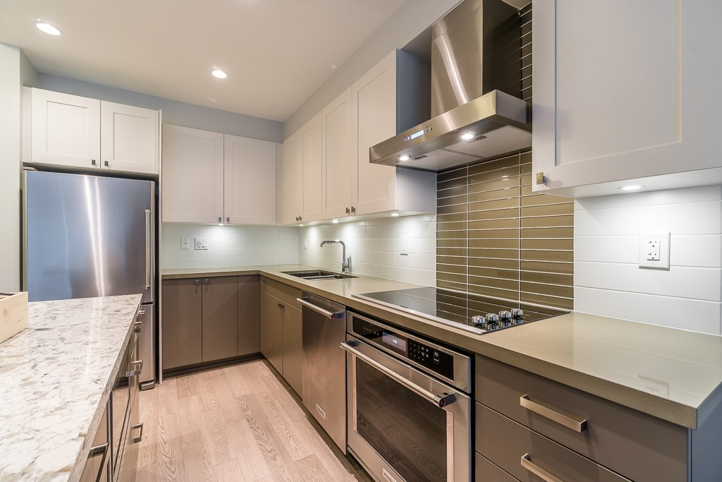 Condo Apartment at 409 3399 NOEL DRIVE, Unit 409, Burnaby North, British Columbia. Image 4