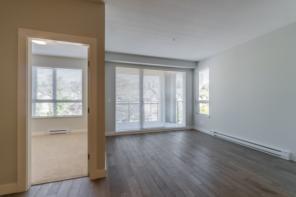 Condo Apartment at 409 3399 NOEL DRIVE, Unit 409, Burnaby North, British Columbia. Image 8