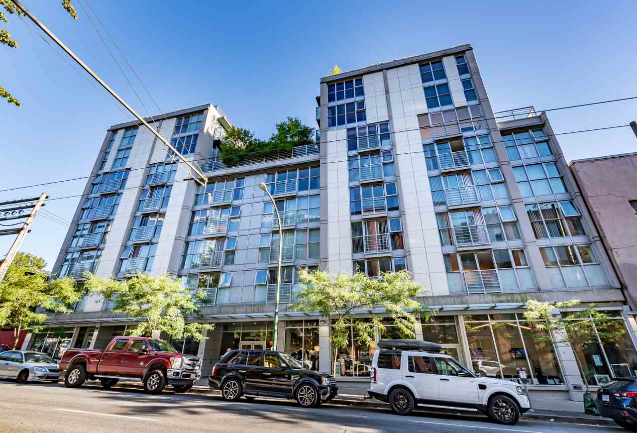 Condo Apartment at 808 168 POWELL STREET, Unit 808, Vancouver East, British Columbia. Image 1