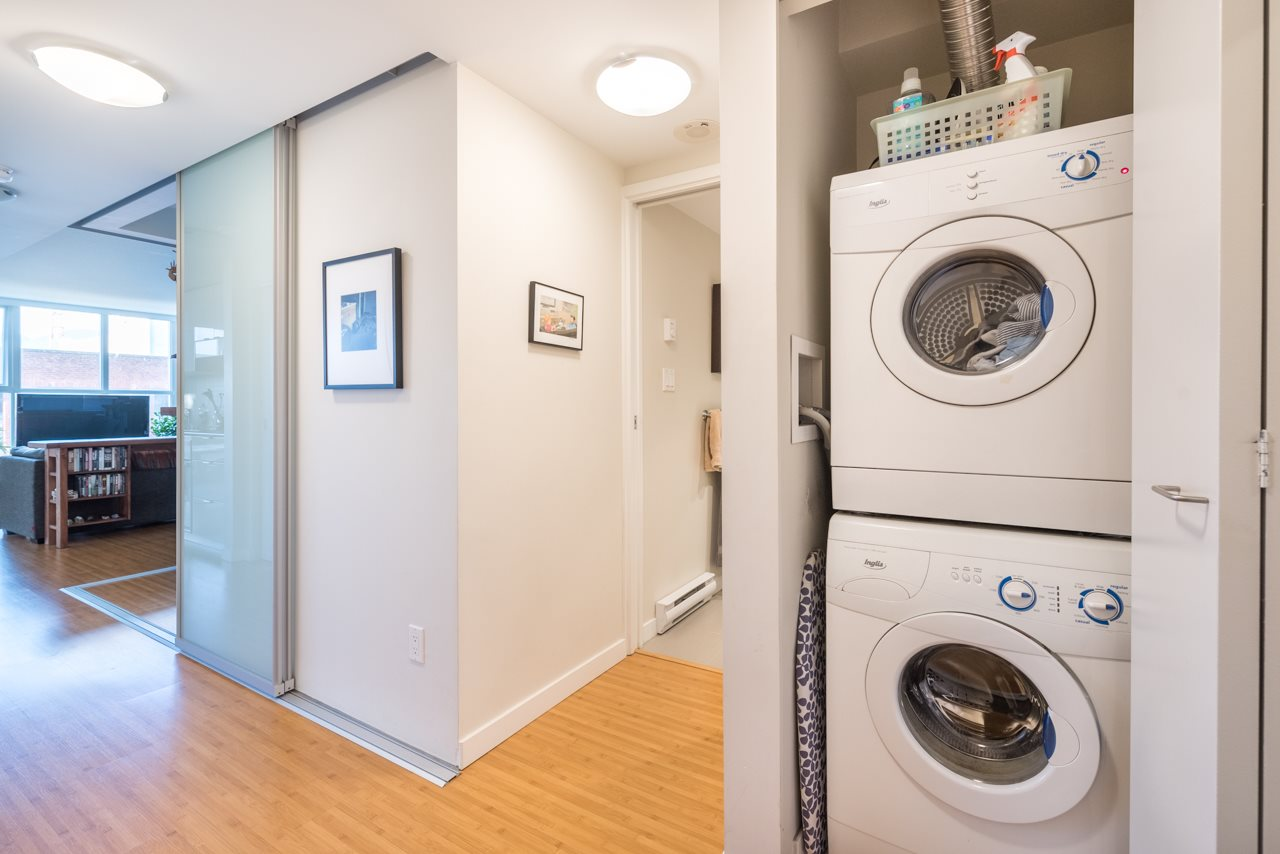 Condo Apartment at 808 168 POWELL STREET, Unit 808, Vancouver East, British Columbia. Image 3