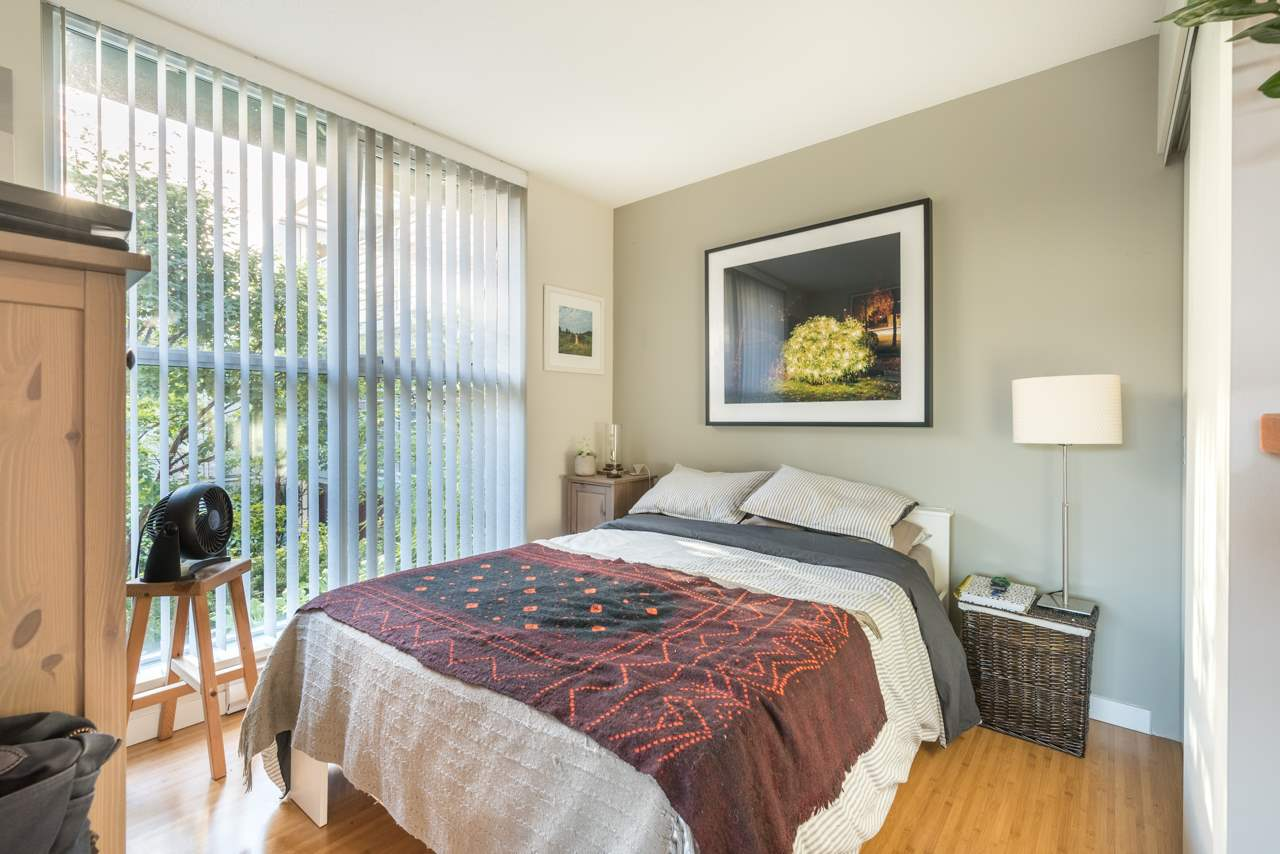 Condo Apartment at 808 168 POWELL STREET, Unit 808, Vancouver East, British Columbia. Image 5