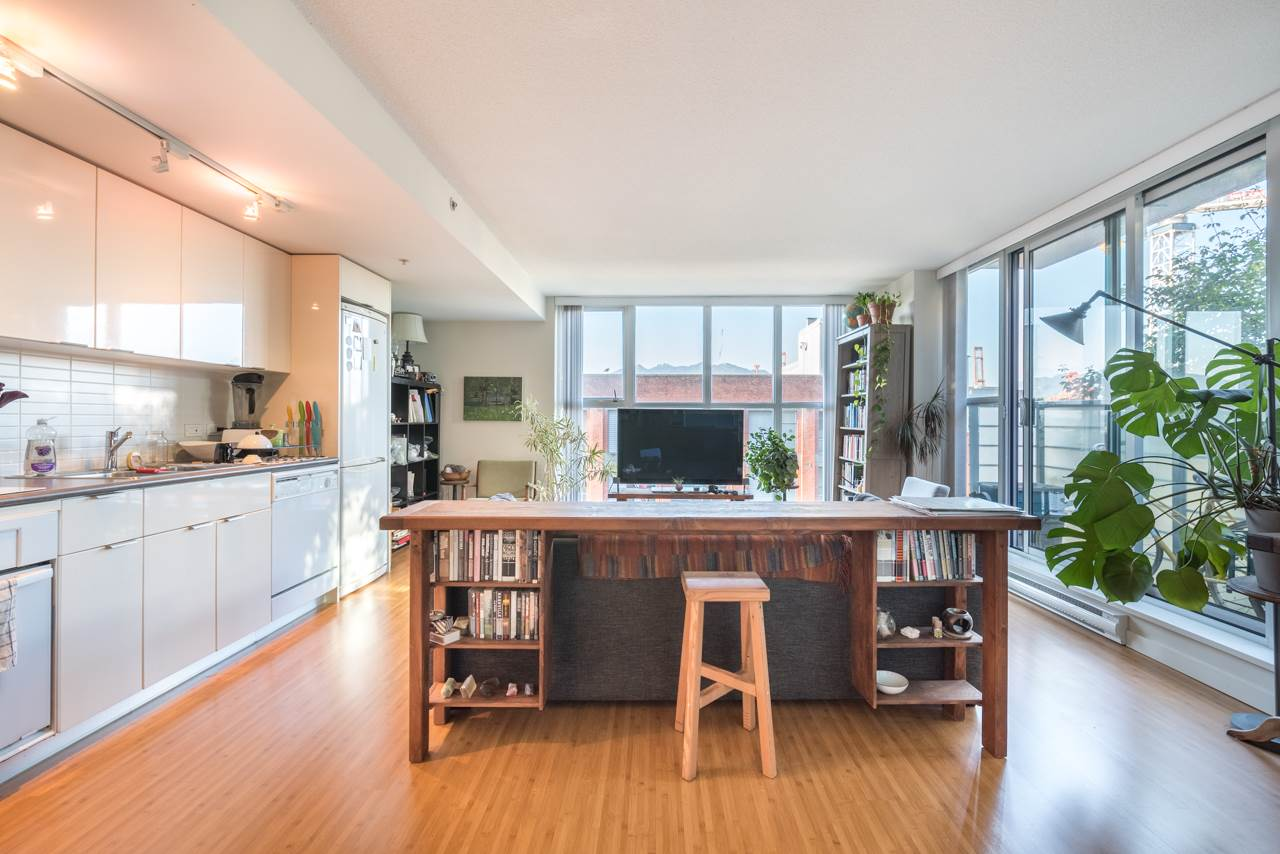 Condo Apartment at 808 168 POWELL STREET, Unit 808, Vancouver East, British Columbia. Image 6