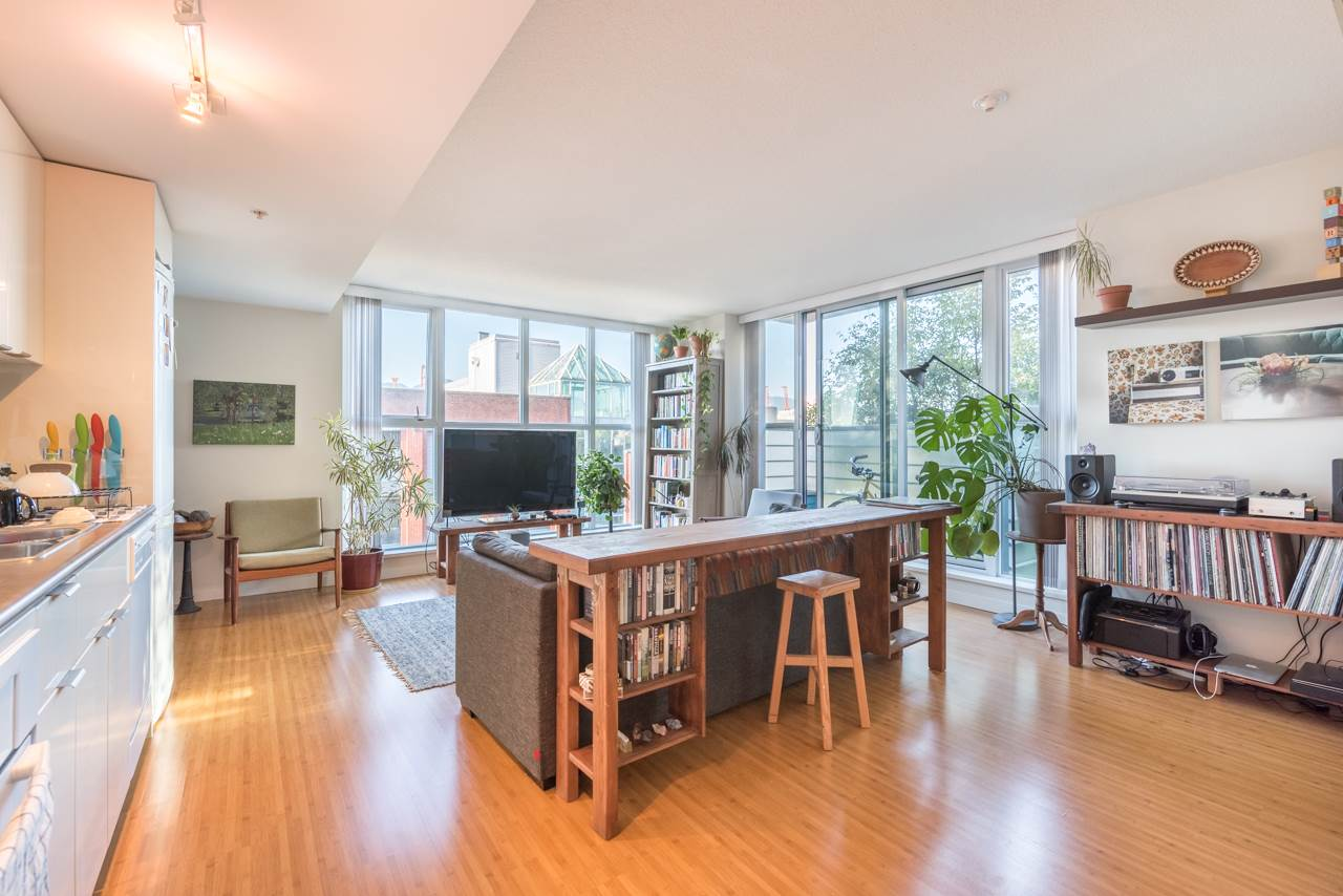 Condo Apartment at 808 168 POWELL STREET, Unit 808, Vancouver East, British Columbia. Image 7
