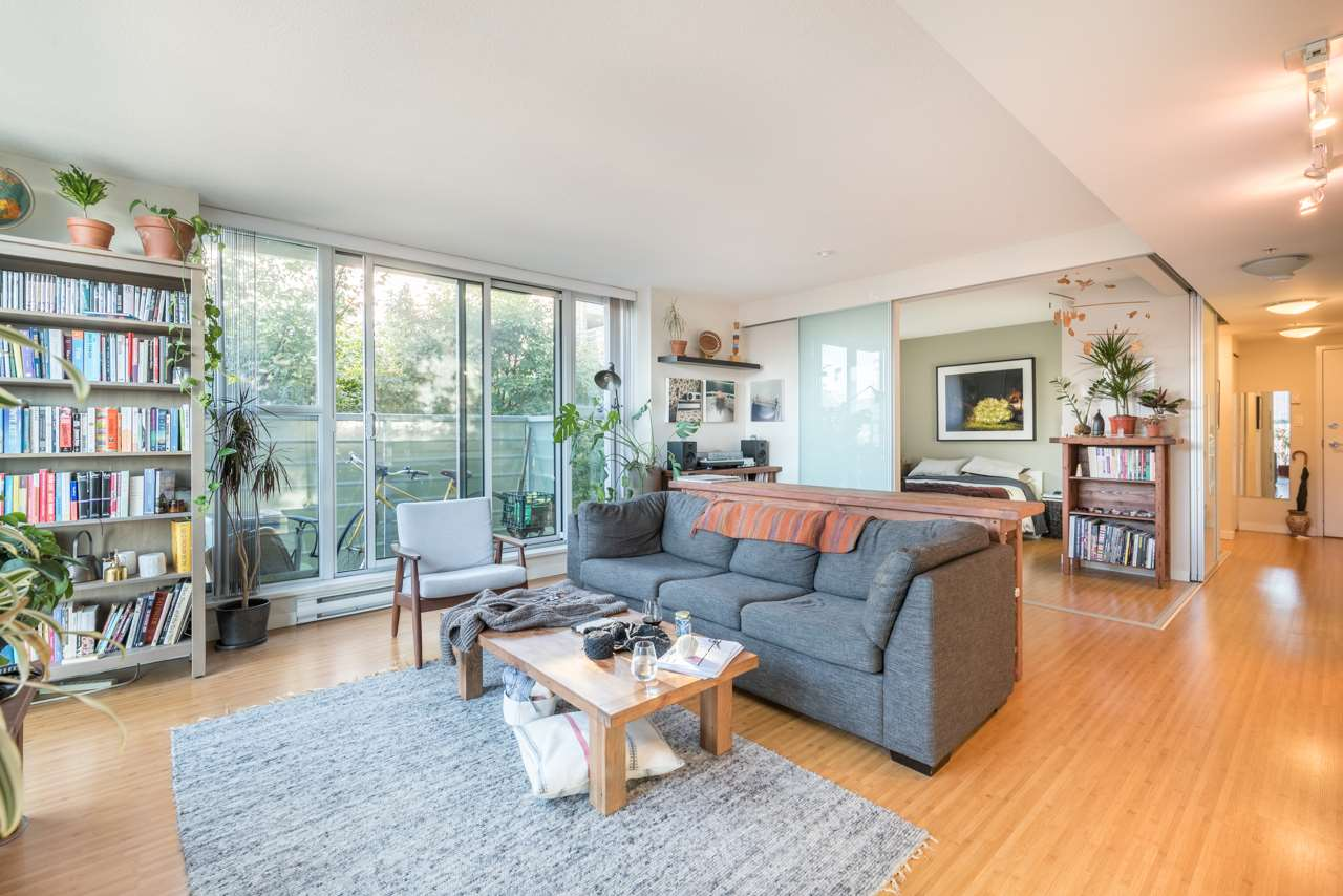 Condo Apartment at 808 168 POWELL STREET, Unit 808, Vancouver East, British Columbia. Image 8