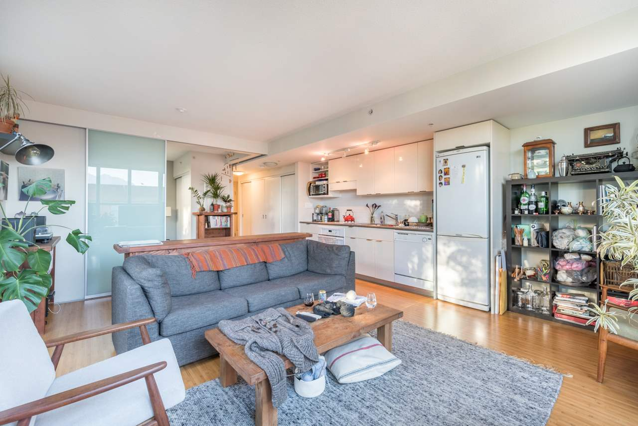 Condo Apartment at 808 168 POWELL STREET, Unit 808, Vancouver East, British Columbia. Image 9