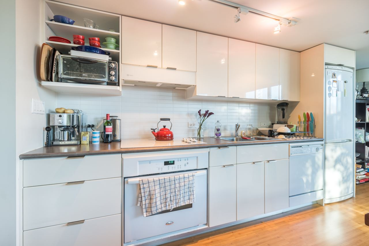Condo Apartment at 808 168 POWELL STREET, Unit 808, Vancouver East, British Columbia. Image 11