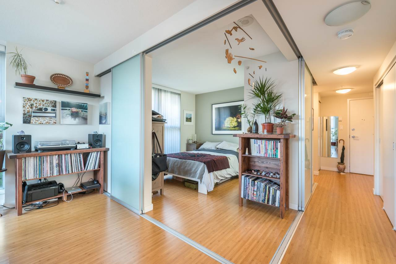 Condo Apartment at 808 168 POWELL STREET, Unit 808, Vancouver East, British Columbia. Image 15