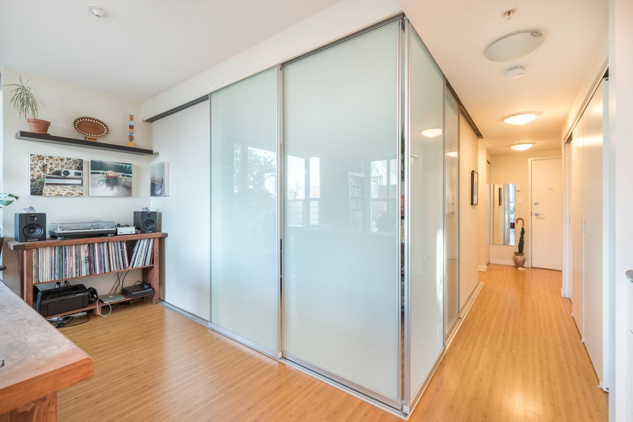 Condo Apartment at 808 168 POWELL STREET, Unit 808, Vancouver East, British Columbia. Image 17