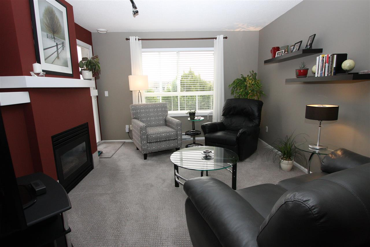 Condo Apartment at 319 19750 64TH AVENUE, Unit 319, Langley, British Columbia. Image 2