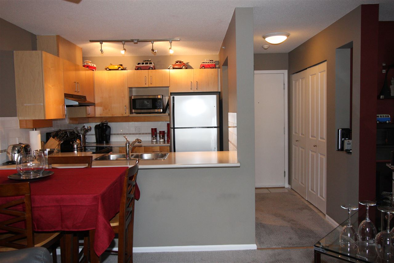Condo Apartment at 319 19750 64TH AVENUE, Unit 319, Langley, British Columbia. Image 3