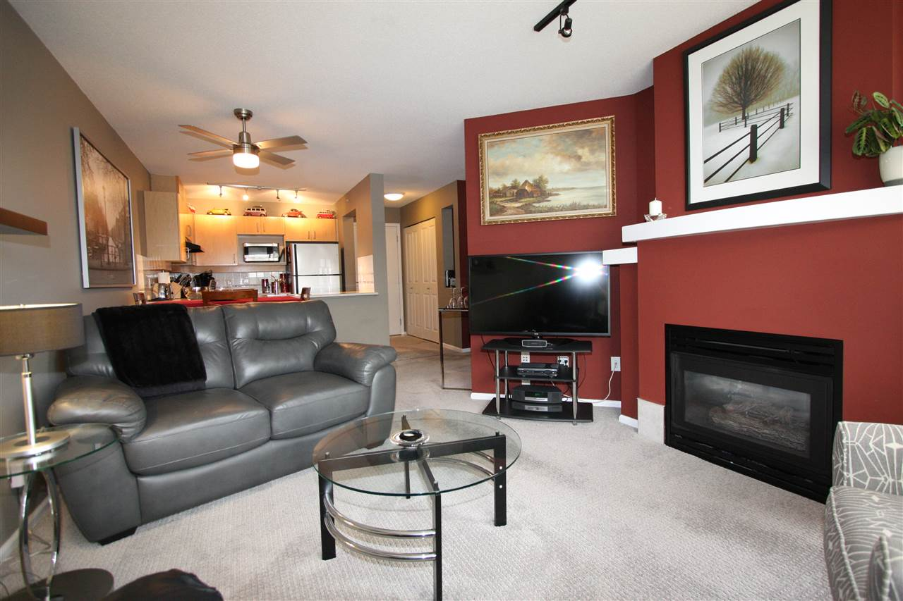 Condo Apartment at 319 19750 64TH AVENUE, Unit 319, Langley, British Columbia. Image 4
