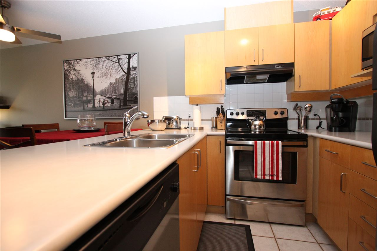 Condo Apartment at 319 19750 64TH AVENUE, Unit 319, Langley, British Columbia. Image 5