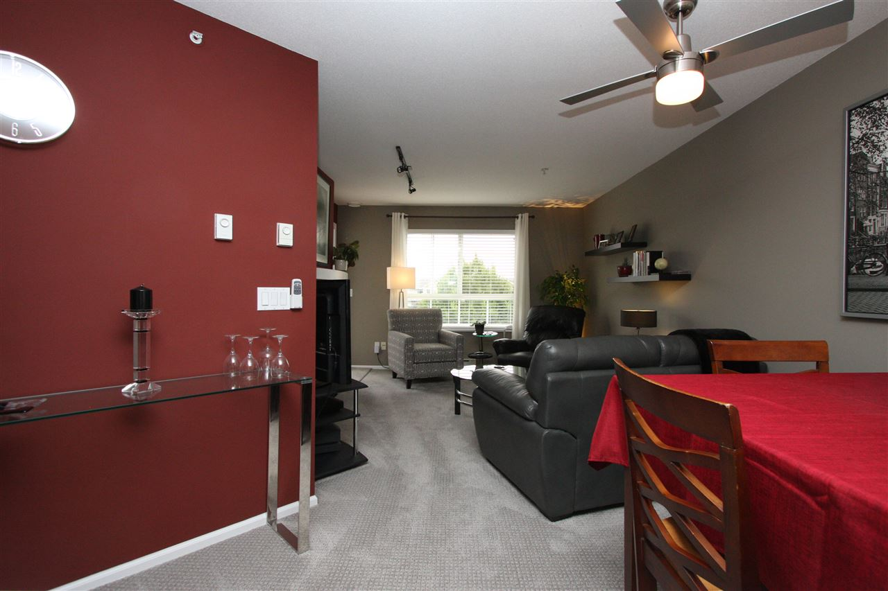 Condo Apartment at 319 19750 64TH AVENUE, Unit 319, Langley, British Columbia. Image 6