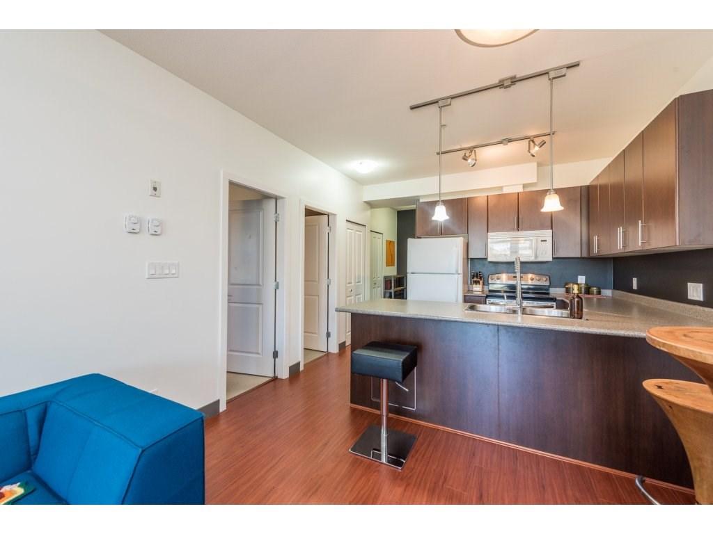 Condo Apartment at 206 688 E 17TH AVENUE, Unit 206, Vancouver East, British Columbia. Image 3
