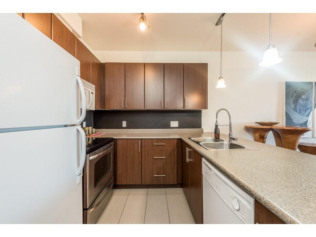 Condo Apartment at 206 688 E 17TH AVENUE, Unit 206, Vancouver East, British Columbia. Image 4