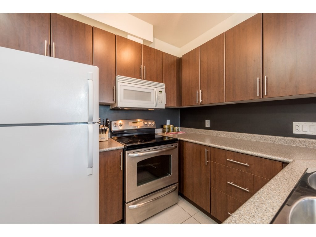 Condo Apartment at 206 688 E 17TH AVENUE, Unit 206, Vancouver East, British Columbia. Image 5