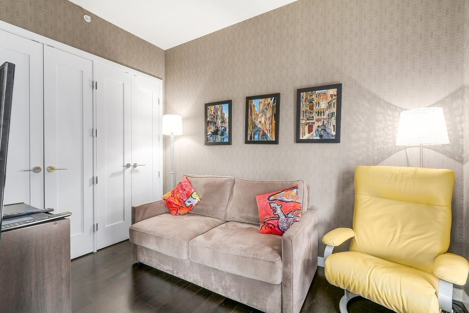 Condo Apartment at 404 1616 COLUMBIA STREET, Unit 404, Vancouver West, British Columbia. Image 15