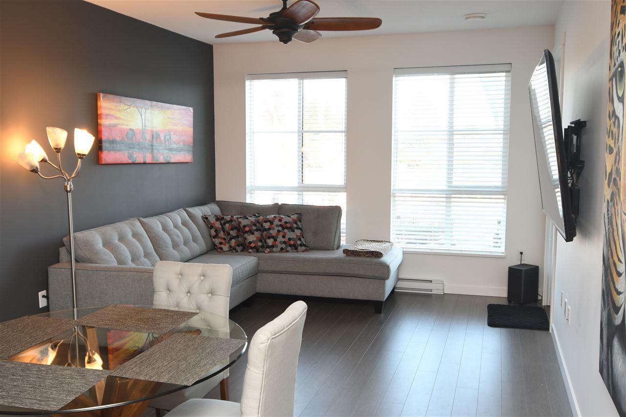 Condo Apartment at 221 15168 33 AVENUE, Unit 221, South Surrey White Rock, British Columbia. Image 3