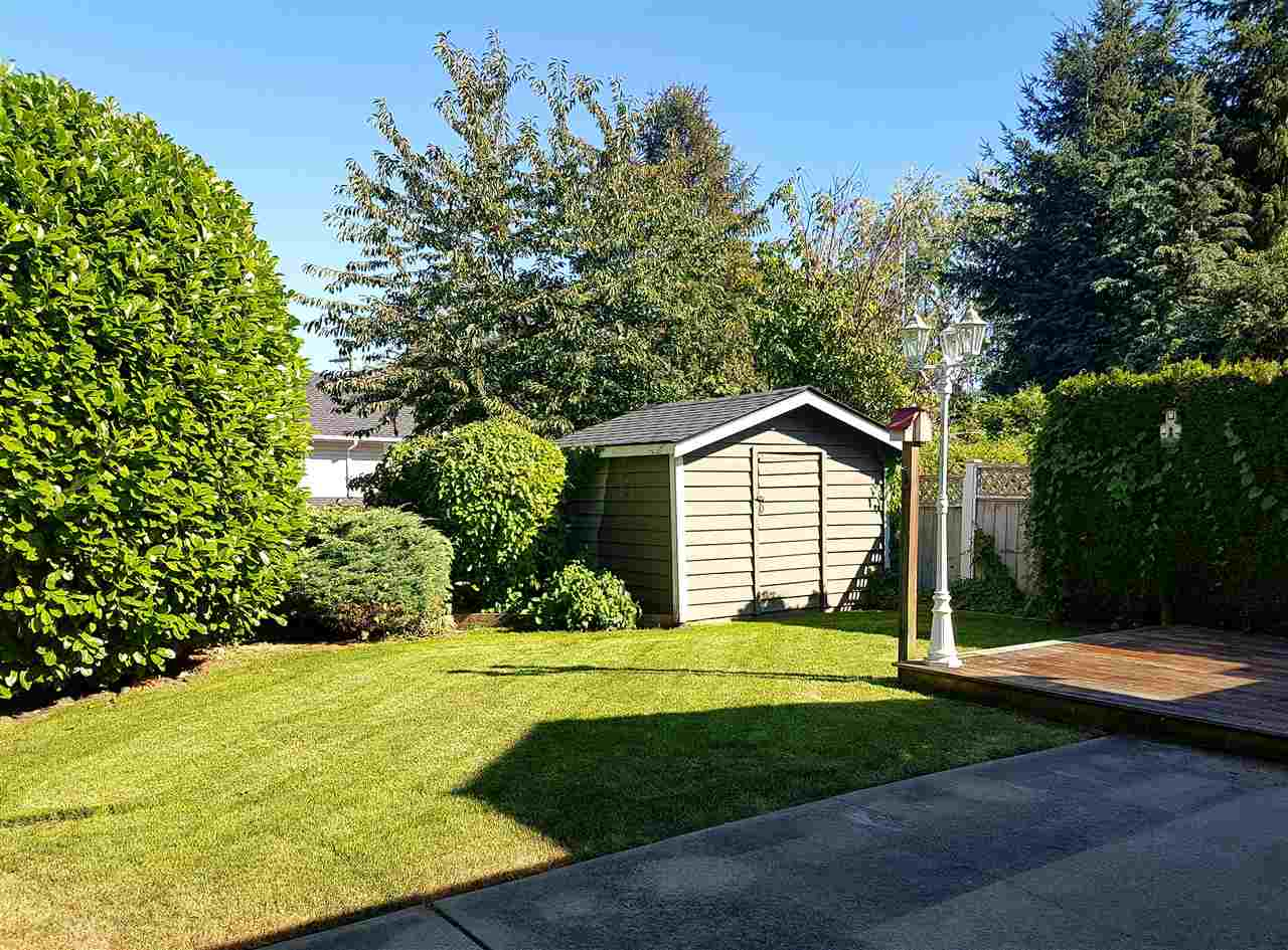 Half-duplex at 380 55A STREET, Tsawwassen, British Columbia. Image 19