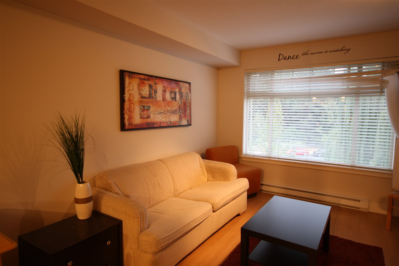 Condo Apartment at 306 2233 MCKENZIE ROAD, Unit 306, Abbotsford, British Columbia. Image 3