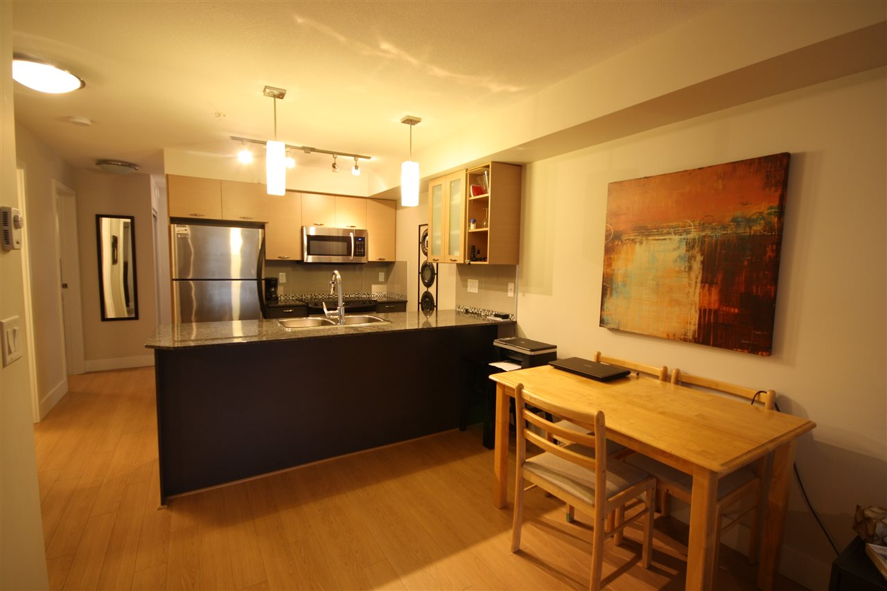 Condo Apartment at 306 2233 MCKENZIE ROAD, Unit 306, Abbotsford, British Columbia. Image 7