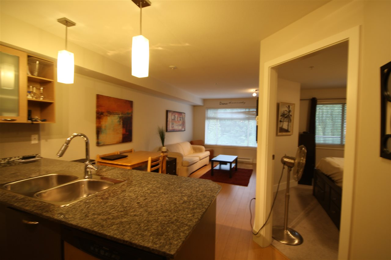 Condo Apartment at 306 2233 MCKENZIE ROAD, Unit 306, Abbotsford, British Columbia. Image 10